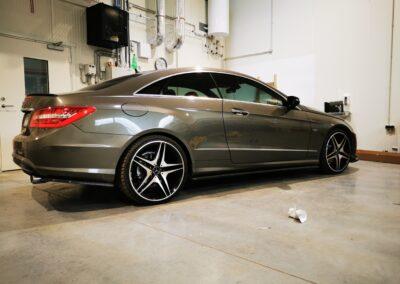 Mercedes Benz E-kupee, luksusauto, sõiduauto, klaasikiled, autokiled, autoklaasid, kiletööd, Kileprof